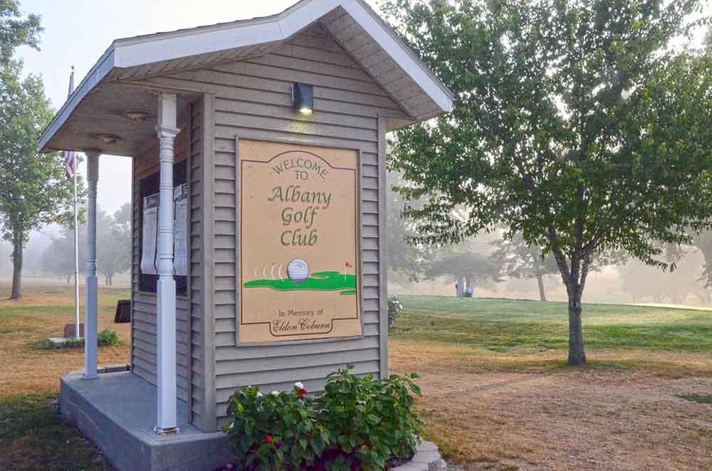 Albany-Golf-Course,-Albany,-MO-Hut