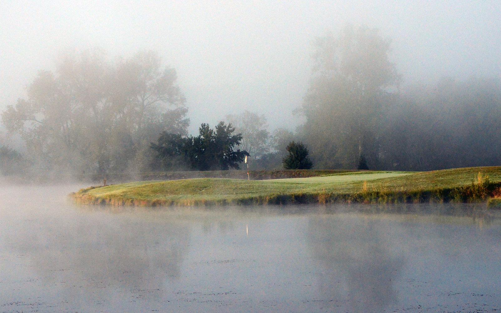 Beaver-Valley-Golf-Club,-Fredericktown,-MO-Fog