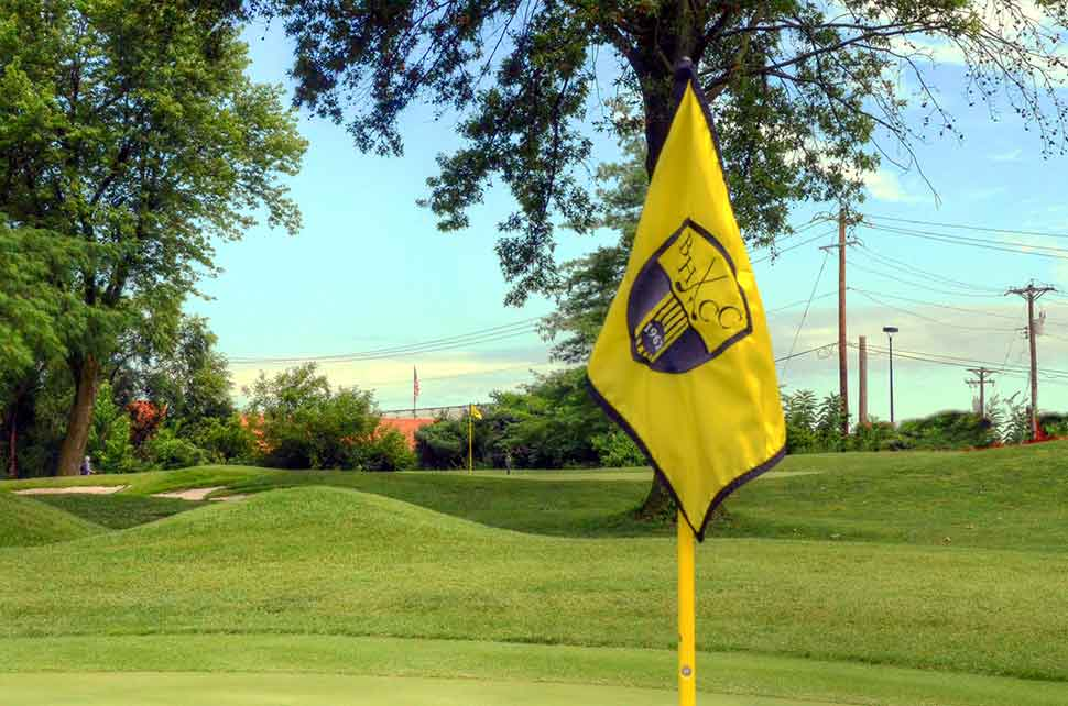 Bogey-Hills-Country-Club,-St-Charles,-MO-Flags
