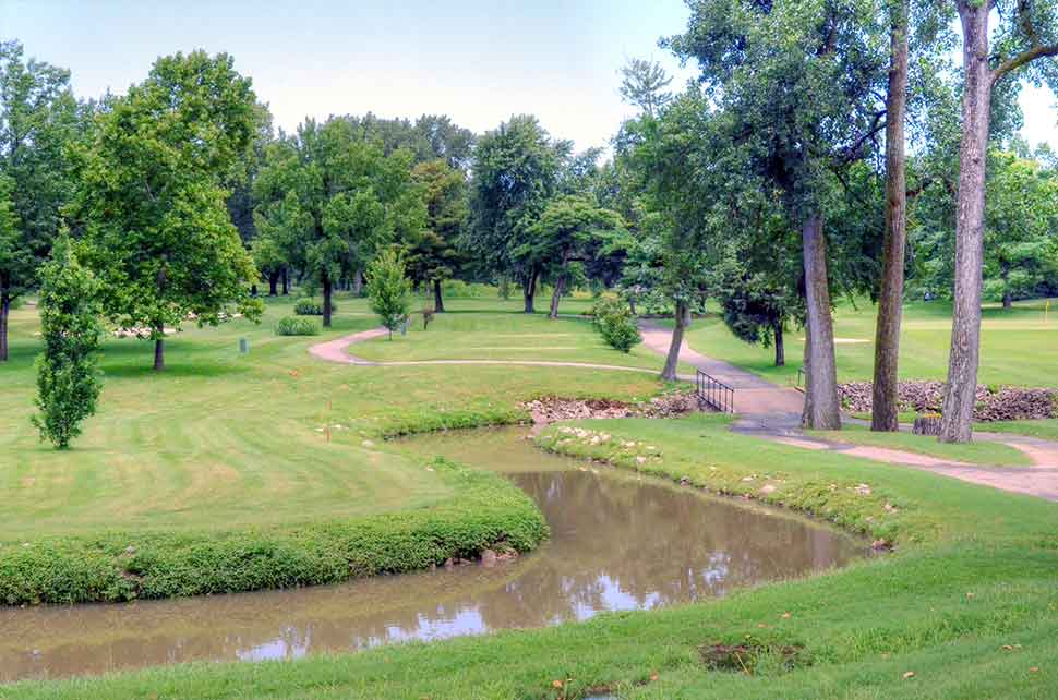 Bogey-Hills-Country-Club,-St-Charles,-MO-Winding