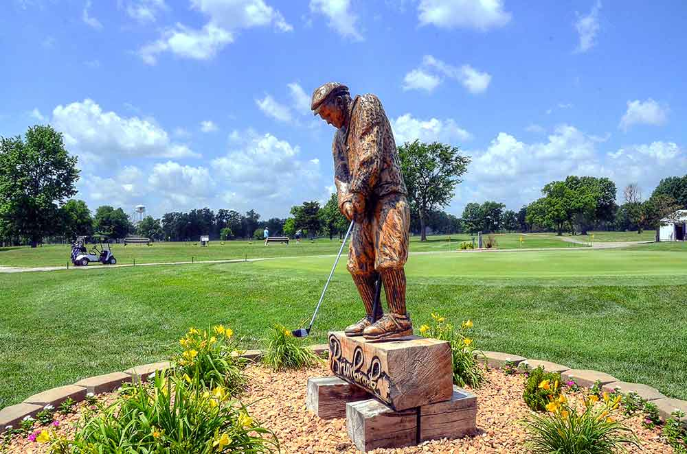 Briarbrook-Golf-Club,-Joplin,-MO-Statue