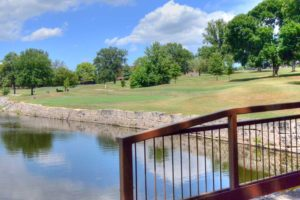 Creve-Coeur-Golf-Course,-St-Louis,-MO-Wall