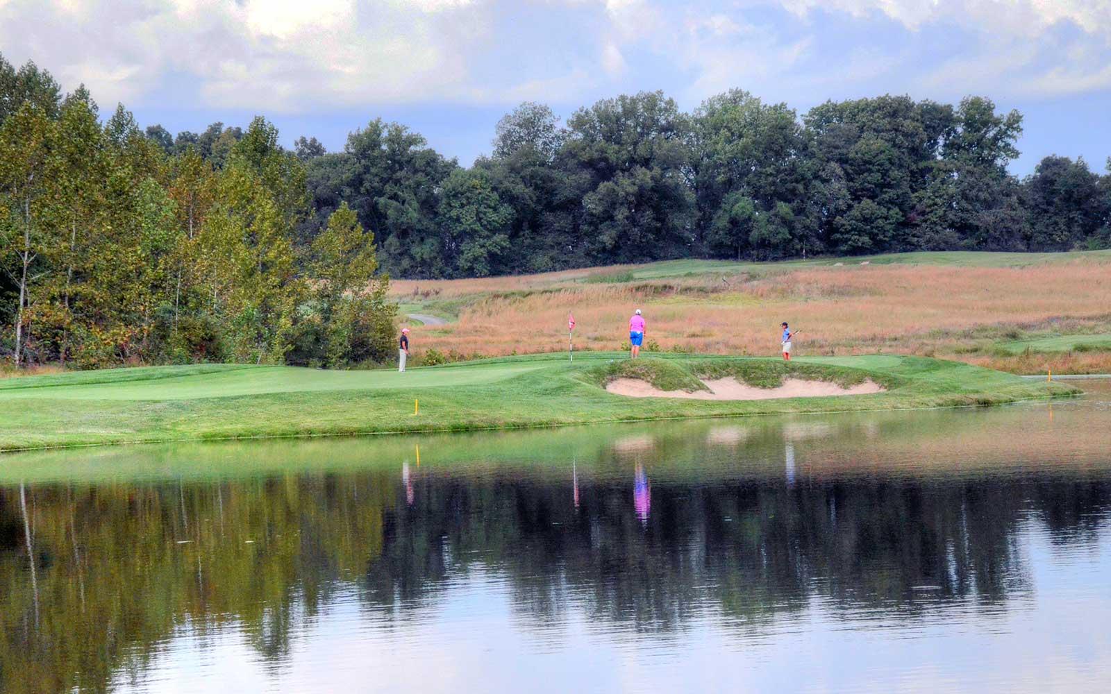 Dalhousie-Golf-Club,-Cape-Girardeau,-MO-Pink
