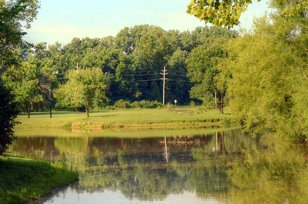 Family-Golf-Center,-St-Louis,-MO-Lake