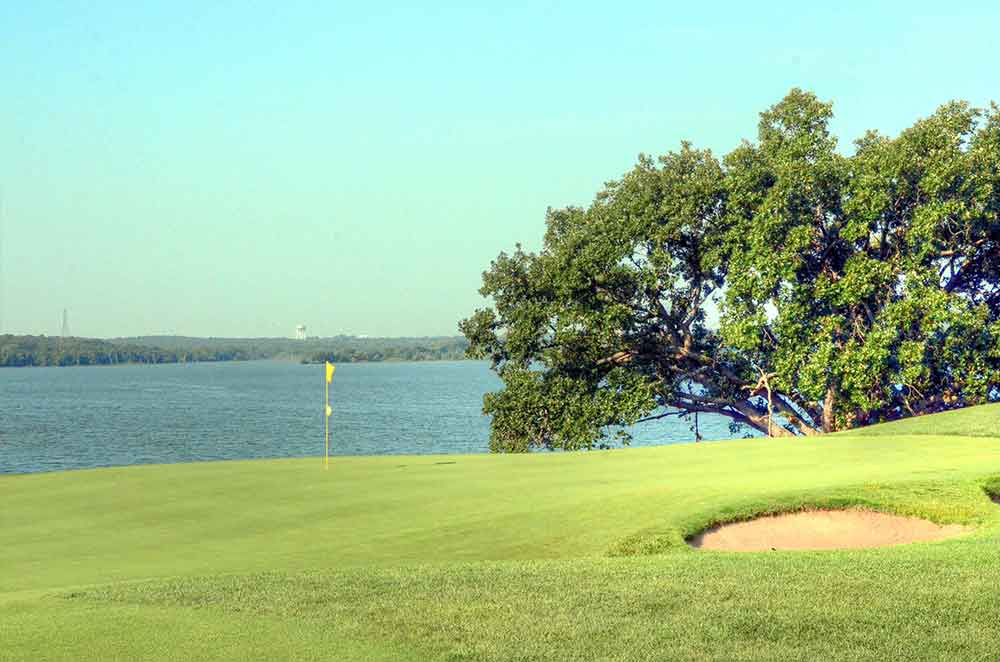 Fred-Arbanas-Golf-Course,-Kansas-City,-MO-Lake