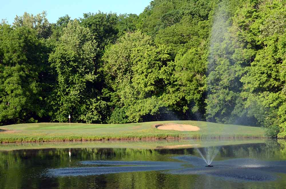 Hidden-Valley-Golf-Links,-Clever,-MO-Fountain