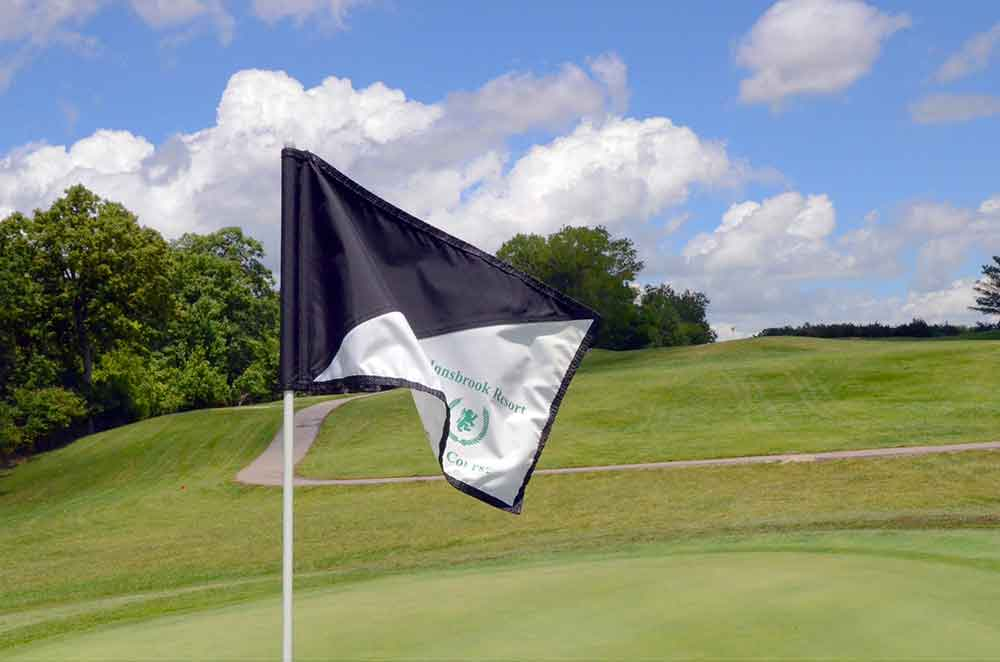 Innsbrook-Golf-Resort,-Innsbrook,-MO-Black-Flag