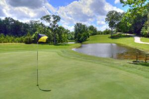 Innsbrook-Golf-Resort,-Innsbrook,-MO-Green