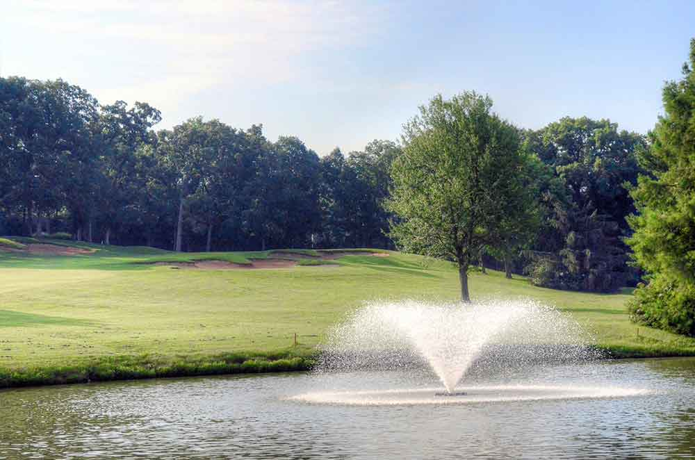 Lake-Forest-Country-Club,-Lake-St-Louis,-MO-Fountain