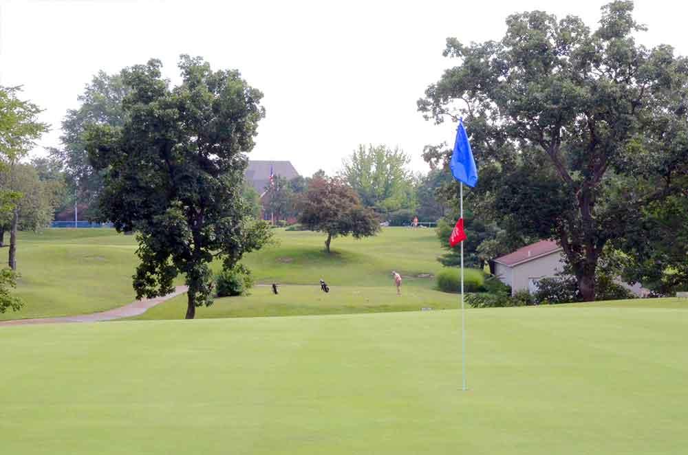 Lake-Saint-Louis-Golf-Course,-Tee