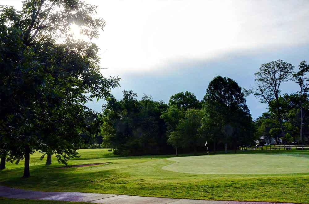 Lake of the woods golf course best golf courses in for Columbia woods