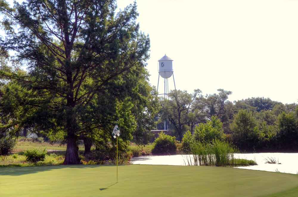 Minor-Park-Golf-Course,-Kansas-City,-MO-Tower