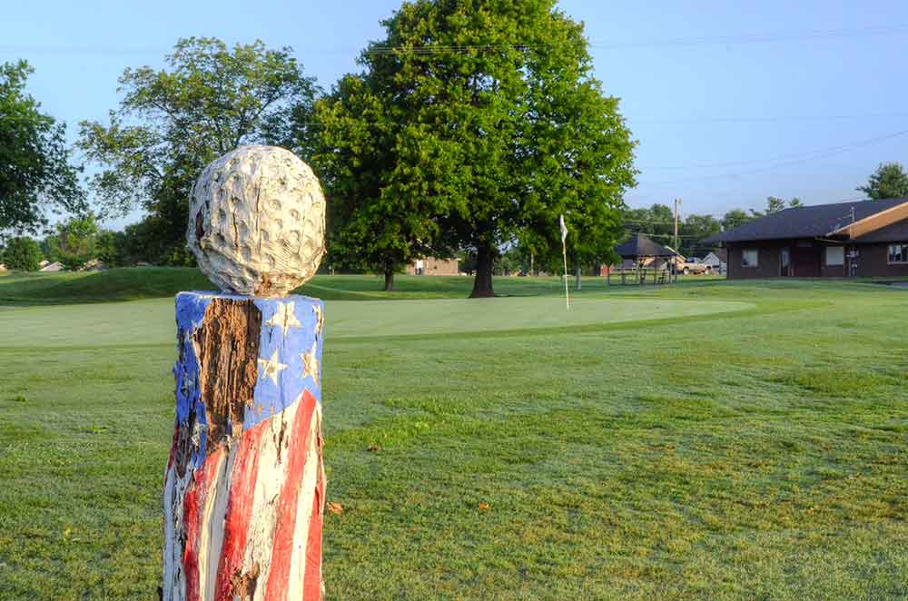 Neosho-Municipal-Golf-Course,-Neosho,-MO-Sculpture