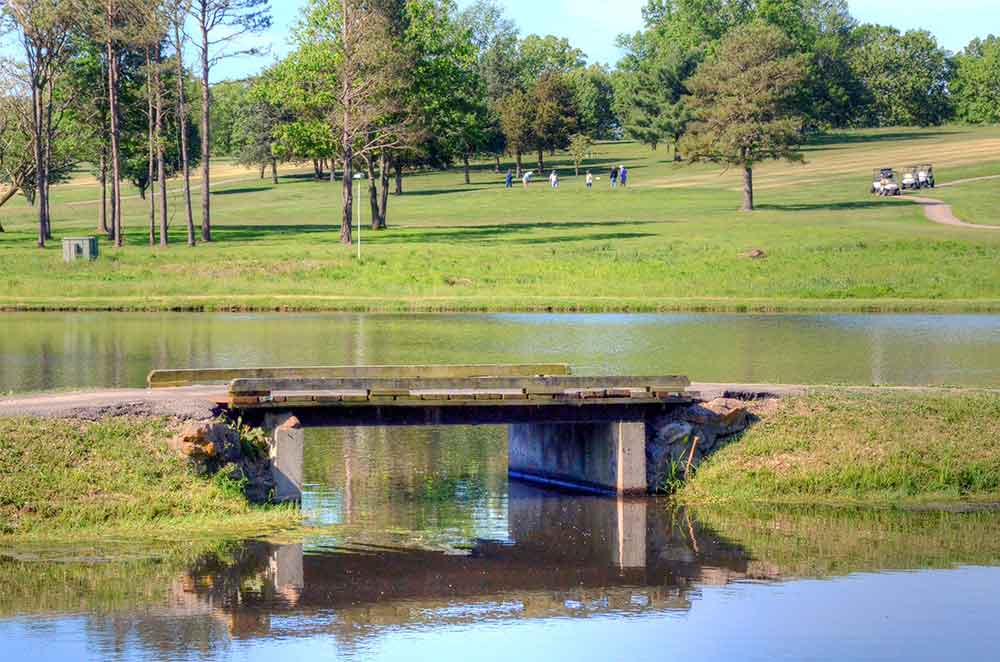 Oak-Meadow-Country-Club,-Rolla,-MO-Bridge