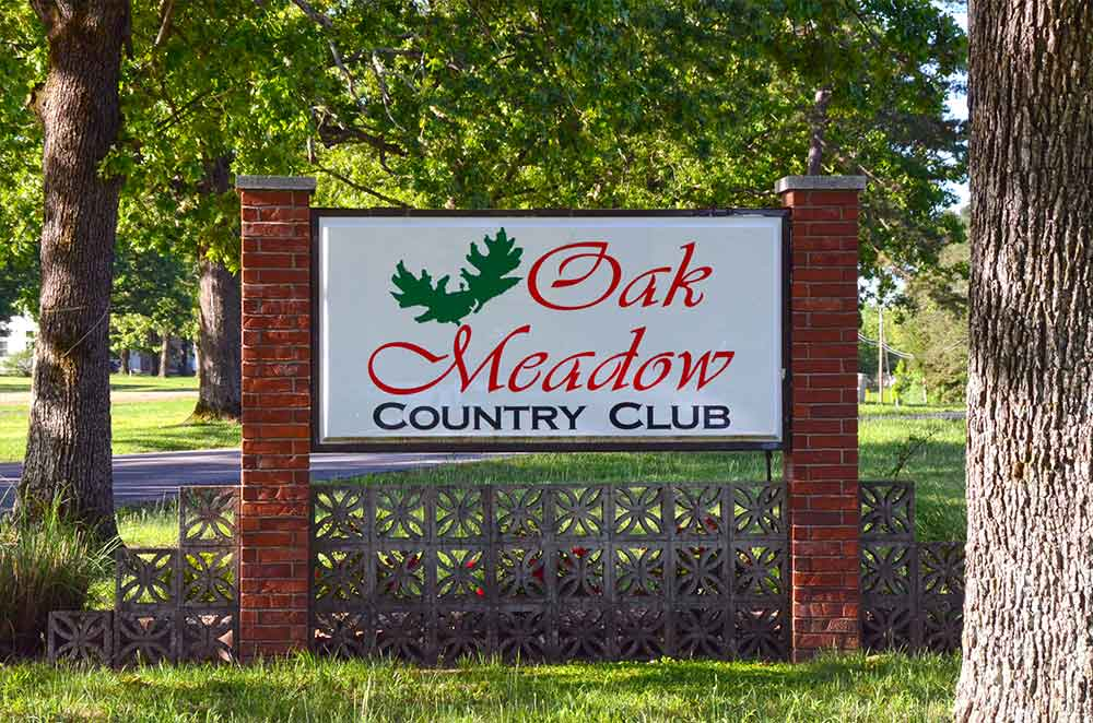 Oak-Meadow-Country-Club,-Rolla,-MO-Signdf