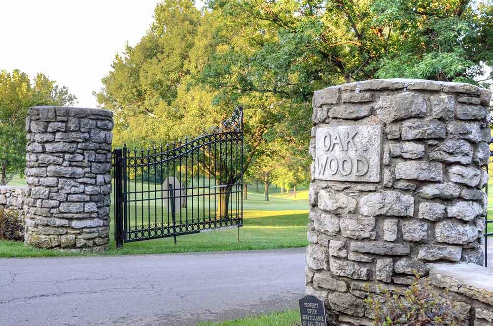 Oakwood-Country-Club,-Kansas-City,-MO-Gate