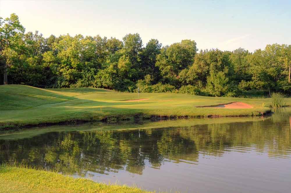 Oakwood-Country-Club,-Kansas-City,-MO-Reflection