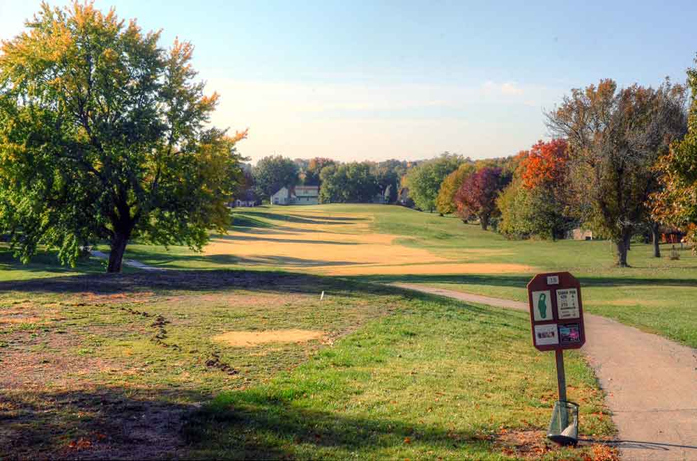 River-Oaks-Golf-Club,-Kansas-City,-MO-Moles