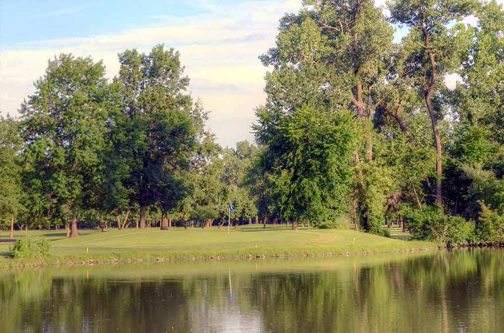 Riverside-Golf-Course,-St-Louis,-MO-Lake