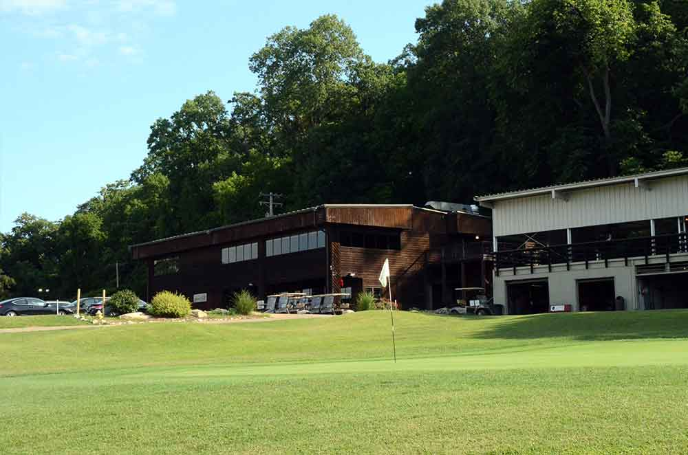 Sunset-Hill-Golf-Course,-St-Louis,-MO-Club-House