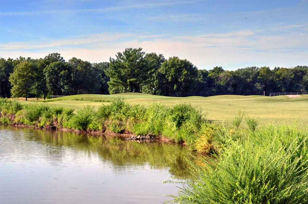 Sunset-Hill-Golf-Course,-St-Louis,-MO-Lake