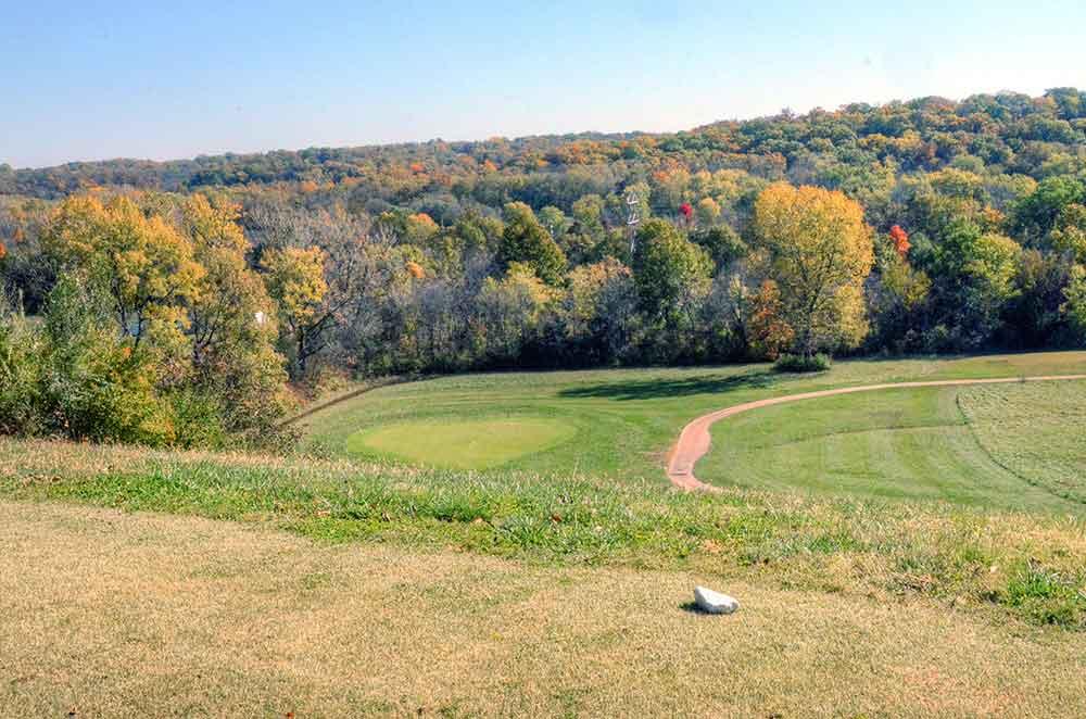 Teetering-Rocks-Golf-Course,-Heart