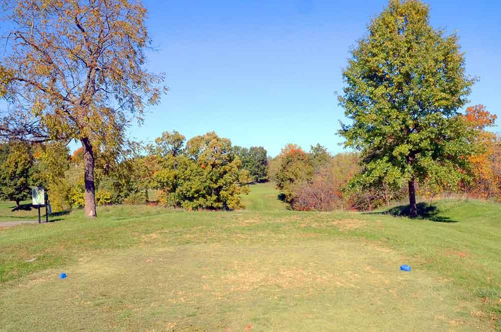 Teetering-Rocks-Golf-Course,-Par-3