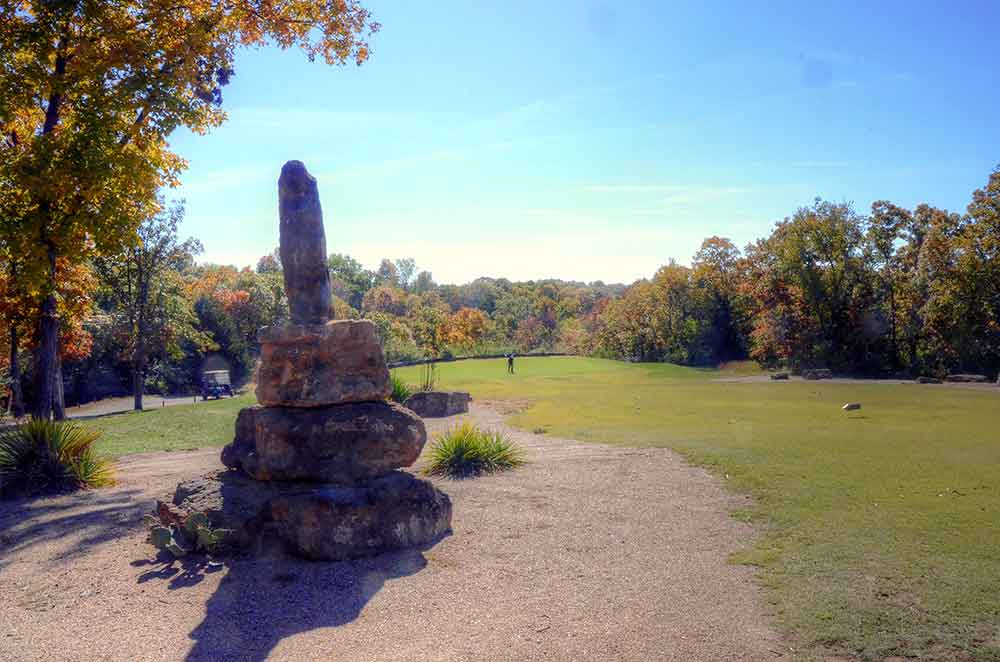 Teetering-Rocks-Golf-Course,-Rocks