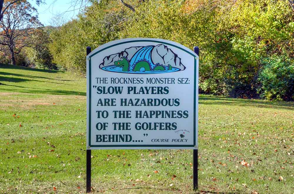 Teetering-Rocks-Golf-Course,-Sign