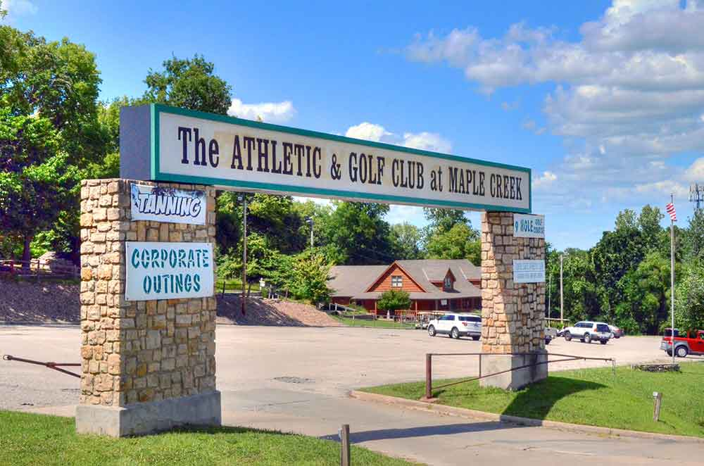 The-Athletic-and-Golf-Club-at-Maple-Creek,-Kansas-City,-MO-Entrance