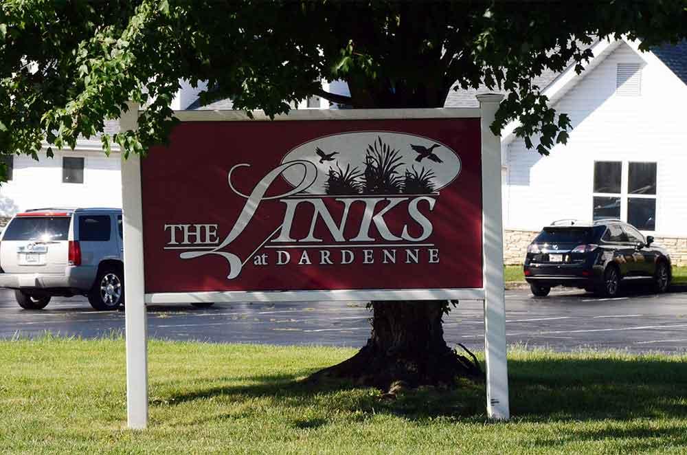 The-Links-at-Dardenne,-O'Fallon,-MO,-Sign