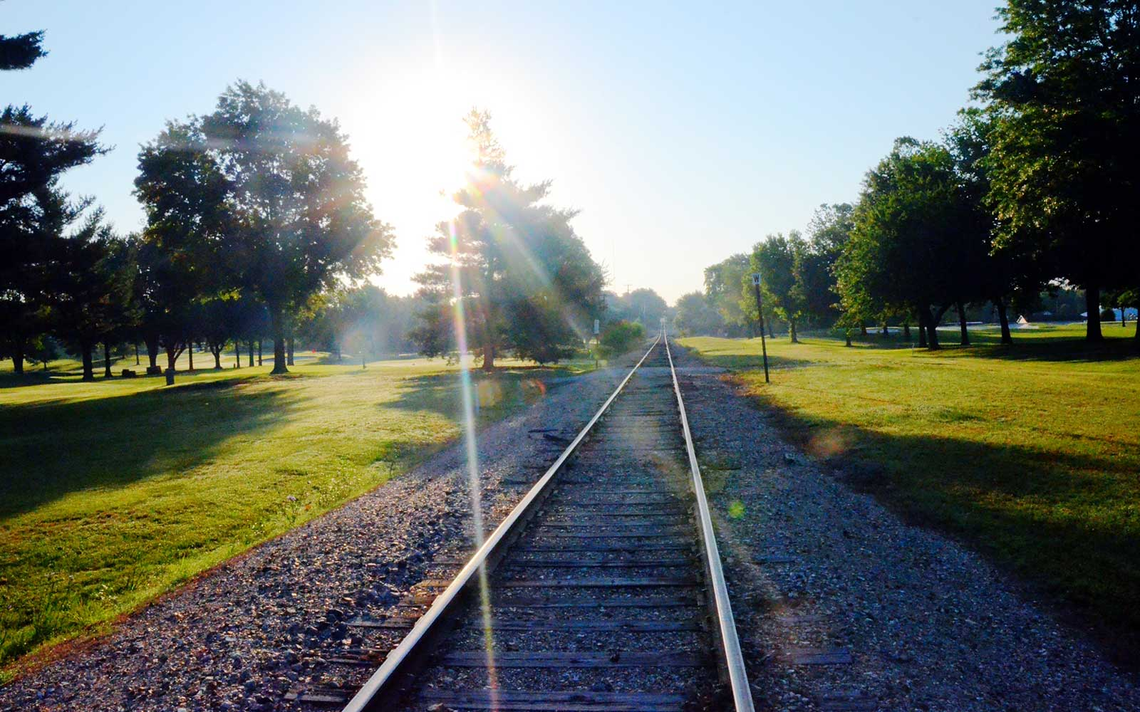 Twin-Hills-Country-Club,-Joplin,-MO-Railroad-Tracks1