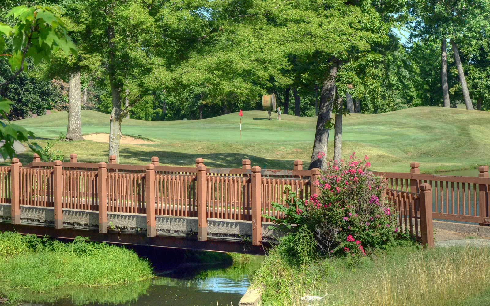 Whitmoor-Country-Club,-St-Louis-Bridge